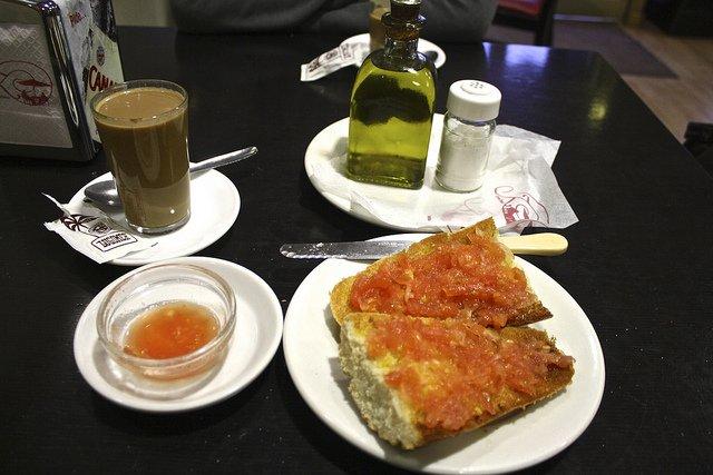 Típico desayuno andaluz