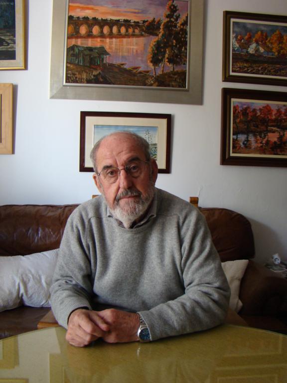 Juan Poblador en su casa