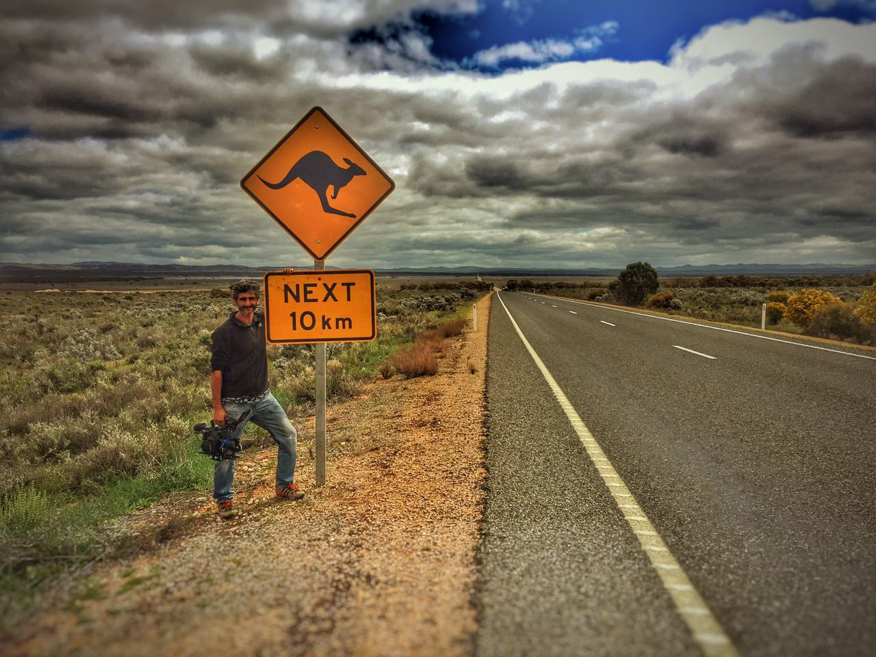 José Ligero con su cámara en un Australia